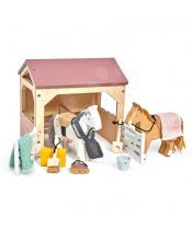 Tender Leaf Toys Dřevěná stáj s koňmi The Stables  s dekou a doplňky